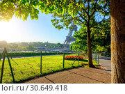 Купить «Gardens in Paris», фото № 30649418, снято 23 августа 2016 г. (c) easy Fotostock / Фотобанк Лори