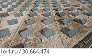 Купить «Top view of the electric power polar panel system at desert», видеоролик № 30664474, снято 9 марта 2019 г. (c) Яков Филимонов / Фотобанк Лори