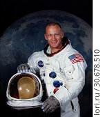 Купить «USA Cape Canaveral -- Jul 1969 -- NASA portrait of Astronaut Edwin E Aldrin Jnr in his Apollo spacesuit. Buzz Aldrin - as prefers to be known - after a...», фото № 30678510, снято 11 декабря 2019 г. (c) age Fotostock / Фотобанк Лори