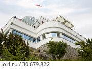 Купить «Смотровая площадка в городе Олесунне в Норвегии, вид снизу», фото № 30679822, снято 25 июня 2013 г. (c) Солодовникова Елена / Фотобанк Лори