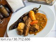 Купить «Juicy beef stew in gravy», фото № 30712606, снято 26 января 2020 г. (c) Яков Филимонов / Фотобанк Лори