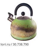 Купить «Чайник из нержавеющей стали со свистком, испорченный огнем от газовой плиты», фото № 30738790, снято 11 мая 2019 г. (c) Румянцева Наталия / Фотобанк Лори
