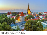 Купить «View of Walls of Tallinn, Estonia», фото № 30747830, снято 27 июля 2018 г. (c) Boris Breytman / Фотобанк Лори