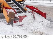 Купить «Захватный механизм лапового снегопогрузчика», эксклюзивное фото № 30762054, снято 3 марта 2019 г. (c) Александр Щепин / Фотобанк Лори