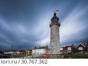 Купить «Stormy evening at Kingston Lighthouse, Shoreham-by-Sea, West Sussex, England.», фото № 30767362, снято 3 мая 2019 г. (c) age Fotostock / Фотобанк Лори