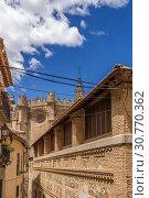 Купить «Толедо, Испания. Средневековая архитектура в историческом центре (список всемирного наследия ЮНЕСКО)», фото № 30770362, снято 25 июня 2017 г. (c) Rokhin Valery / Фотобанк Лори