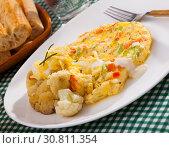 Купить «Omelet with cauliflower for breakfast», фото № 30811354, снято 16 июня 2019 г. (c) Яков Филимонов / Фотобанк Лори