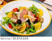 Купить «Fresh salad with duck breast», фото № 30819634, снято 27 мая 2019 г. (c) Яков Филимонов / Фотобанк Лори