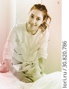 Купить «Mature woman having face massage», фото № 30820786, снято 9 февраля 2017 г. (c) Яков Филимонов / Фотобанк Лори