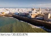 Aerial view of Cadiz with Cathedral (2019 год). Стоковое фото, фотограф Яков Филимонов / Фотобанк Лори