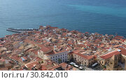 The central part of the Sicilian town of Cefalu city. Cefalu is one of the major tourist attractions in the Sicily region, Italy (2019 год). Стоковое видео, видеограф Алексей Кузнецов / Фотобанк Лори