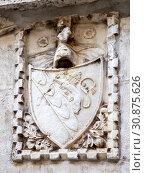 Купить «Герб города со львом на щите. Трогир. Хорватия», фото № 30875626, снято 3 мая 2019 г. (c) Сергей Афанасьев / Фотобанк Лори