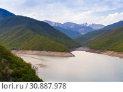 Купить «Zhinvali reservoir. Georgia», фото № 30887978, снято 1 мая 2019 г. (c) EugeneSergeev / Фотобанк Лори