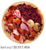 Купить «Juicy baked in beer pork knuckle», фото № 30917454, снято 17 июля 2019 г. (c) Яков Филимонов / Фотобанк Лори