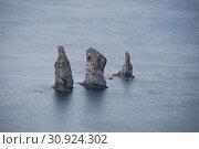 Купить «Скалы Три Брата в Авачинской бухте. Камчатка.», эксклюзивное фото № 30924302, снято 7 июня 2019 г. (c) syngach / Фотобанк Лори
