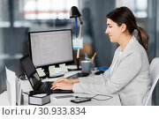 Купить «businesswoman with computer working at office», фото № 30933834, снято 14 марта 2019 г. (c) Syda Productions / Фотобанк Лори