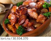 Купить «Braised pork snout», фото № 30934370, снято 15 октября 2019 г. (c) Яков Филимонов / Фотобанк Лори