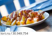 Купить «freshness potato food with tomato sauce», фото № 30949754, снято 6 апреля 2017 г. (c) Яков Филимонов / Фотобанк Лори