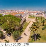 Купить «Castelo de Lagos, Praça Infante Dom Henrique, Lagos, , Algarve, Portugal», фото № 30954370, снято 18 июня 2019 г. (c) age Fotostock / Фотобанк Лори