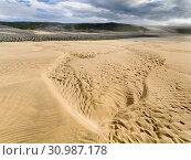 The sandy beach at Breidavik. The remote Westfjords (Vestfirdir) in north west Iceland. Europe, Scandinavia, Iceland. Стоковое фото, фотограф Martin Zwick / age Fotostock / Фотобанк Лори