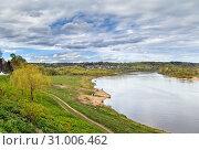 Купить «Oka river in Tarusa, Russia», фото № 31006462, снято 4 мая 2019 г. (c) Boris Breytman / Фотобанк Лори