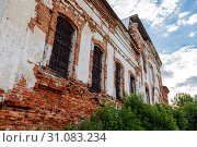 Купить «Sights of the Saratov region. Historical building in the Volga region of Russia 19th century 1872 year. A series of photographs of an old abandoned ruined church of the Church of St. Michael the Archangel in the village of Loh», фото № 31083234, снято 23 июня 2019 г. (c) Светлана Евграфова / Фотобанк Лори