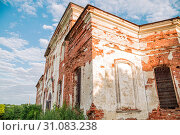Купить «Sights of the Saratov region. Historical building in the Volga region of Russia 19th century 1872 year. A series of photographs of an old abandoned ruined church of the Church of St. Michael the Archangel in the village of Loh», фото № 31083238, снято 23 июня 2019 г. (c) Светлана Евграфова / Фотобанк Лори