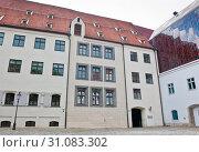 Купить «The Alter Hof (Old Court). Munich. Germany», фото № 31083302, снято 23 июня 2019 г. (c) E. O. / Фотобанк Лори