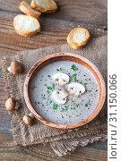 Купить «Portion of creamy mushroom soup», фото № 31150066, снято 11 марта 2018 г. (c) easy Fotostock / Фотобанк Лори