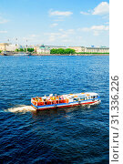 Купить «St Petersburg, Russia. Water area of the Neva river and floating sailboats in St Petersburg, Russia, travel landscape», фото № 31336226, снято 6 июня 2019 г. (c) Зезелина Марина / Фотобанк Лори