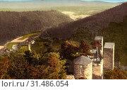 HasiÅ¡tejn, 1913, Ústí nad Labem Region, Hassenstein, Ruine, Blick nach Brunnersdorf, Czech Republic (2019 год). Редакционное фото, фотограф Copyright Liszt Collection / age Fotostock / Фотобанк Лори
