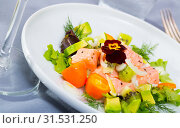 Купить «Salmon ceviche with avocado, kumquat», фото № 31531250, снято 16 июля 2019 г. (c) Яков Филимонов / Фотобанк Лори
