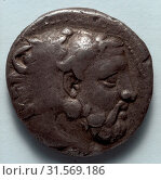 Stater: Head of Bearded Herakles in Lion Skin (obverse), 389-369 BC. Greece, Macedonia, Amyntas III. Silver, diameter: 2.1 cm (13/16 in.). (2019 год). Редакционное фото, фотограф Liszt Collection / age Fotostock / Фотобанк Лори