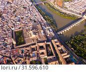 Aerial view of Cordoba with Roman Bridge and Mosque–Cathedral (2019 год). Стоковое фото, фотограф Яков Филимонов / Фотобанк Лори