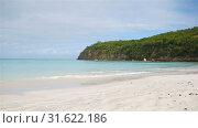 Amazing beautiful sunset on an exotic caribbean beach. Стоковое видео, видеограф Дмитрий Травников / Фотобанк Лори