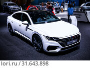 Купить «Volkswagen Arteon», фото № 31643898, снято 10 марта 2019 г. (c) Art Konovalov / Фотобанк Лори