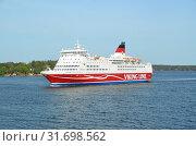 Пассажирский паром Amorella компании Viking Line в Балтийском море (2018 год). Редакционное фото, фотограф Светлана Колобова / Фотобанк Лори