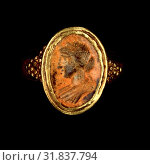 Купить «Ring, Unknown, Roman Empire, 250 - 400, Gold, carnelian, Object: H: 2.5 x Diam.: 2.3 cm (1 x 7/8 in.), Object (bezel): H: 1.8 x W: 1.4 cm (11/16 x 9/16 in.)», фото № 31837794, снято 3 октября 2013 г. (c) age Fotostock / Фотобанк Лори