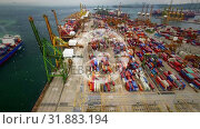Купить «Aerial view of shipping dock with rotating globe», видеоролик № 31883194, снято 20 декабря 2018 г. (c) Wavebreak Media / Фотобанк Лори