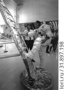 Купить «USA Cape Canaveral -- 1969 -- In preparation of the nation's first Lunar landing mission, Apollo 11 crew members underwent training activities to practice...», фото № 31897198, снято 18 августа 2019 г. (c) age Fotostock / Фотобанк Лори