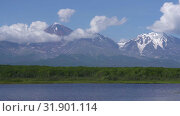 Купить «Авачинский вулкан», видеоролик № 31901114, снято 31 июля 2019 г. (c) А. А. Пирагис / Фотобанк Лори