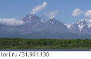 Купить «Авачинский вулкан», видеоролик № 31901130, снято 31 июля 2019 г. (c) А. А. Пирагис / Фотобанк Лори