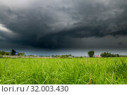 The Summer countryside landscape with a thundercloud. Стоковое фото, фотограф Володина Ольга / Фотобанк Лори