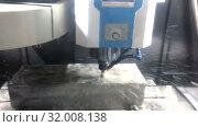 Купить «The milling machine with the CNC processes a mill a steel detail. In processing of a detail cooling liquid is used», видеоролик № 32008138, снято 7 августа 2009 г. (c) Куликов Константин / Фотобанк Лори