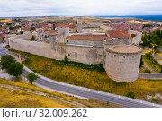 Aerial view of Cuellar Castle in Segovia Province, Leon, Spain (2019 год). Стоковое фото, фотограф Яков Филимонов / Фотобанк Лори