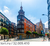 Streets view of Bilbao in summer. Basque Country, Bilbao (2019 год). Стоковое фото, фотограф Яков Филимонов / Фотобанк Лори