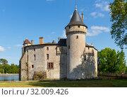 View of medieval castle Chateau de la Brede in Gironde. France (2019 год). Стоковое фото, фотограф Яков Филимонов / Фотобанк Лори