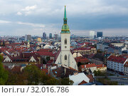 St. Martin Cathedral in center of Bratislava (2017 год). Стоковое фото, фотограф Яков Филимонов / Фотобанк Лори