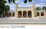 Купить «Кисловодск, нарзанная галерея», видеоролик № 32016898, снято 10 июня 2019 г. (c) Валерий Шилов / Фотобанк Лори