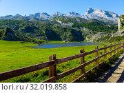 Купить «Rocky landscape with lake, Covadonga», фото № 32019858, снято 15 июля 2019 г. (c) Яков Филимонов / Фотобанк Лори
